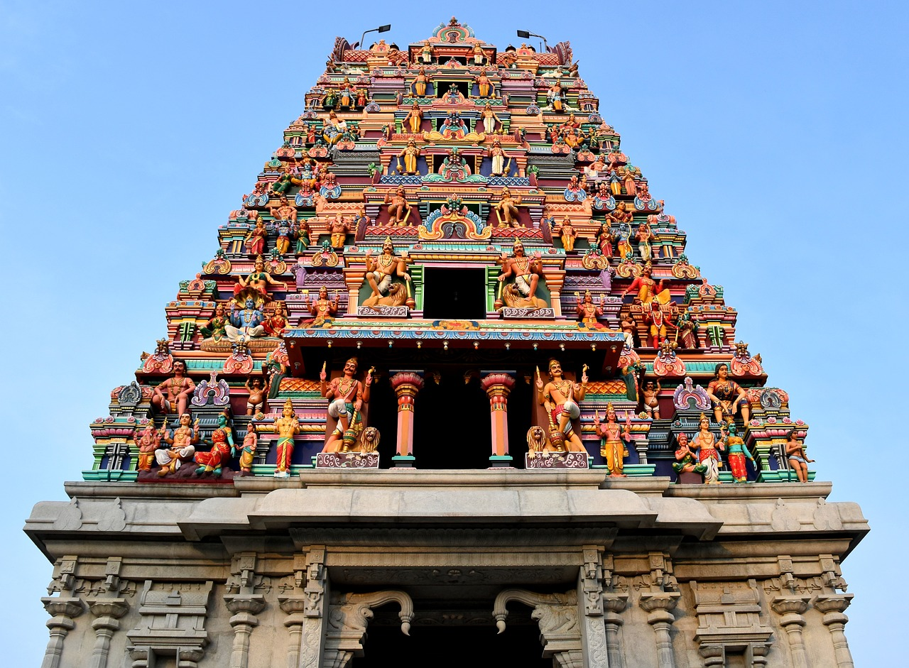 A large stone statue in front of Sri Mariamman Temple, Singapore